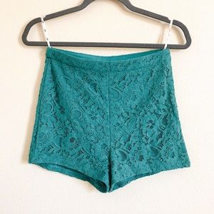 💸High waisted lace shorts